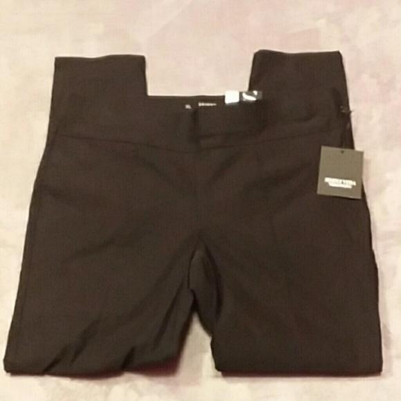 5c511d152b0 NWT Simply Vera Wang women s size XL skinny pants